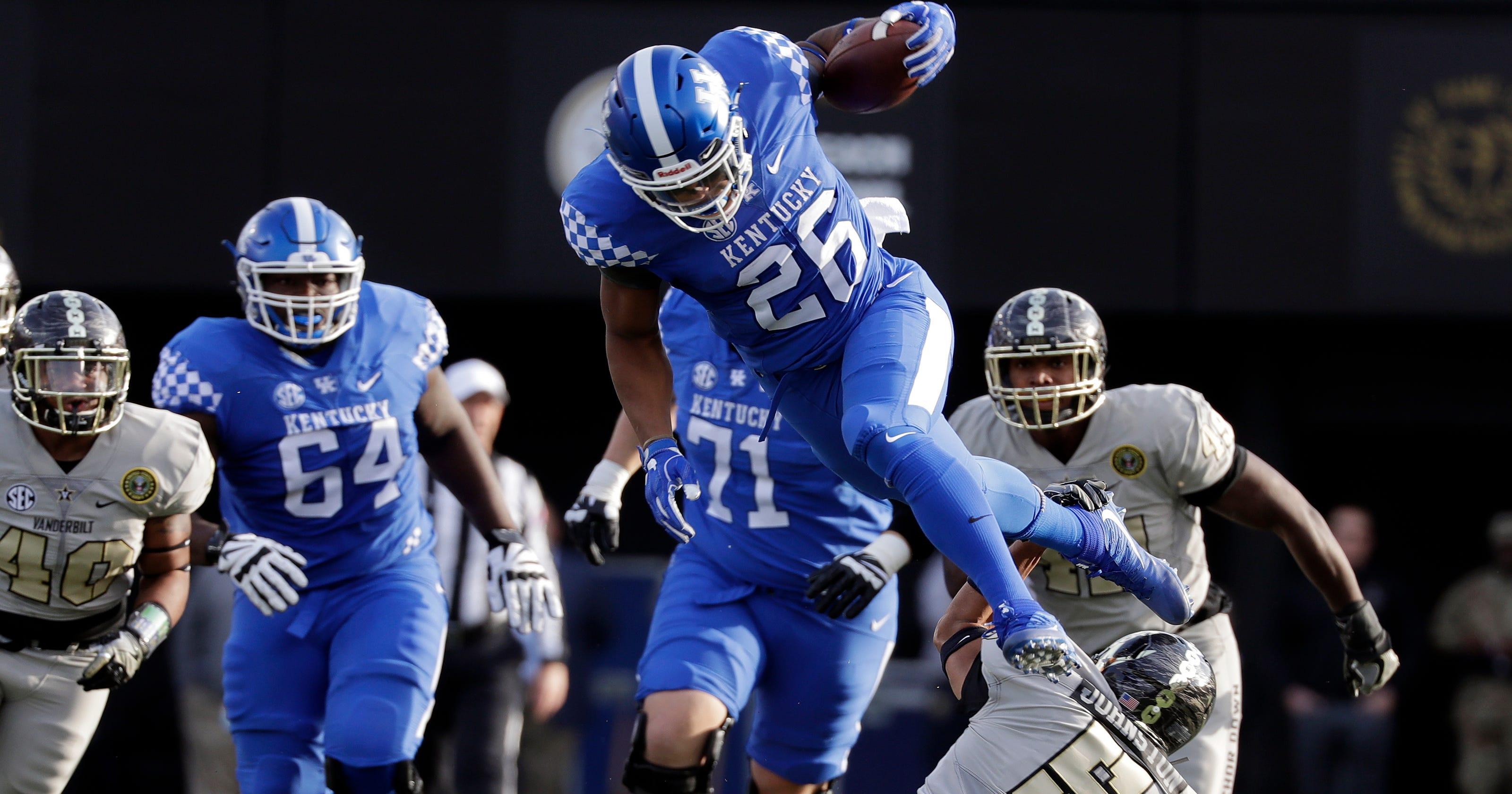 Sophomore Benny Snell sets Kentucky football career rushing touchdowns  record vs. Vanderbilt e73b8f7bd