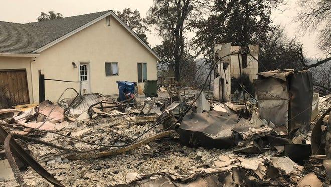 Here's another example of the unpredictable nature of the #carrfire in west Redding. This home burned at the end of Stanford Drive while houses next to it are unscathed.