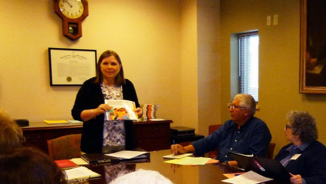 Dr. Katherine Trela speaking at Big Read planning meeting May 19.