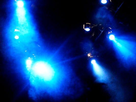 636204291033345272-theater-lights.jpg