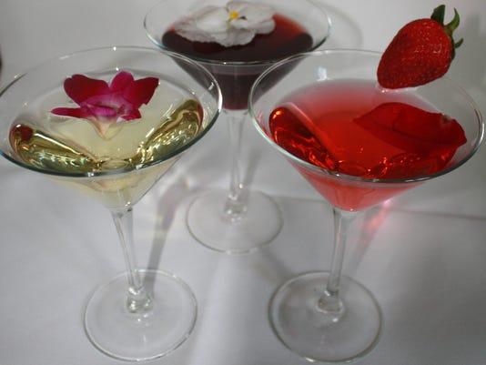 636167898379354997-Wine-Cocktails.jpg