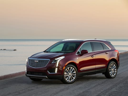 review 2017 cadillac xt5 challenges best luxury suvs. Black Bedroom Furniture Sets. Home Design Ideas