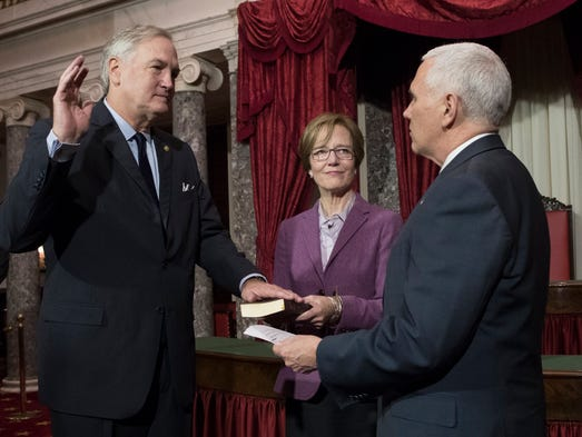 Pence conducts the ceremonial swearing-in of new Alabama