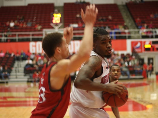 Austin Peay takes care of SIUE in 92-84 win