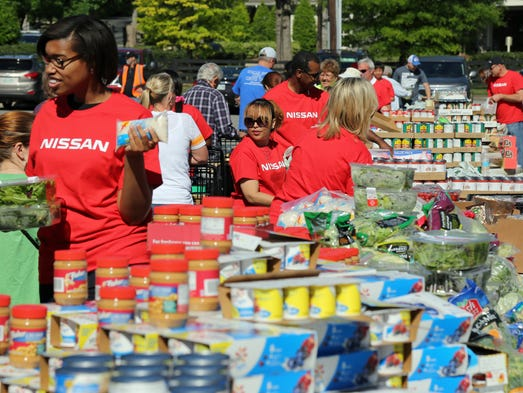 Nissan donates 1m to second harvest for Americas second harvest