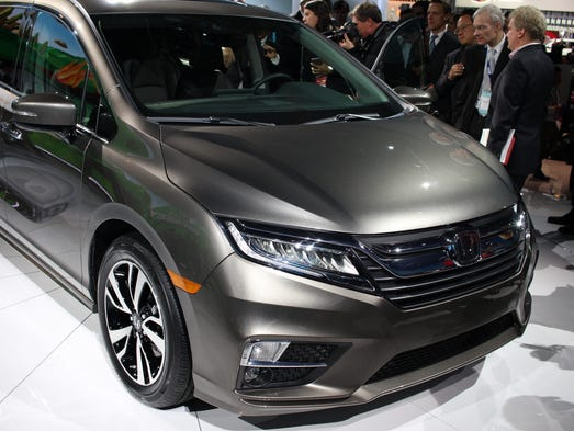 See the all new 2018 honda odyssey revealed at the for Detroit auto show honda odyssey