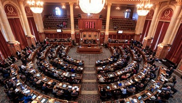 Proposals skirting Affordable Care Act mandates advance in Iowa House
