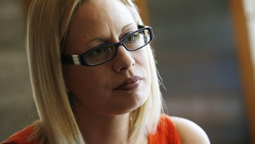 Kyrsten Sinema quietly unloads $33,800 from controversial Democratic donor