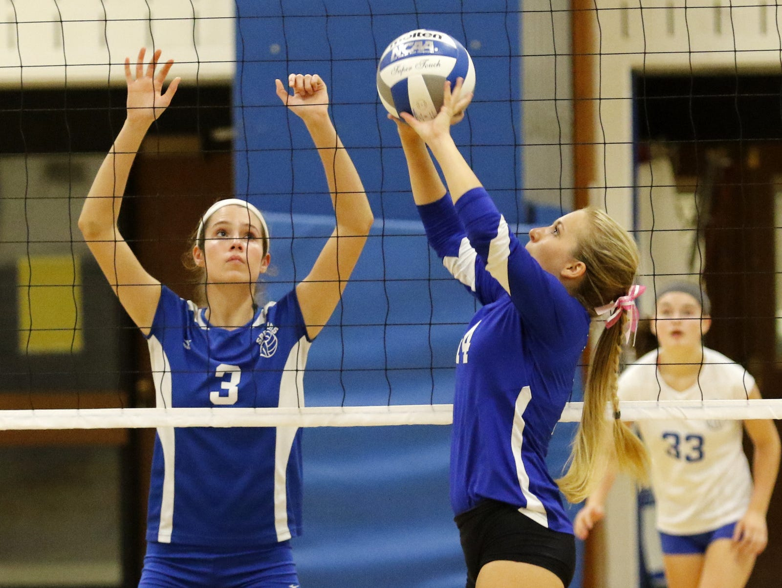 Horseheads plays against Maine-Endwell earlier this season. The Blue Raiders will try for their third straight Section 4 Class A volleyball title Thursday against Vestal at Elmira High School.
