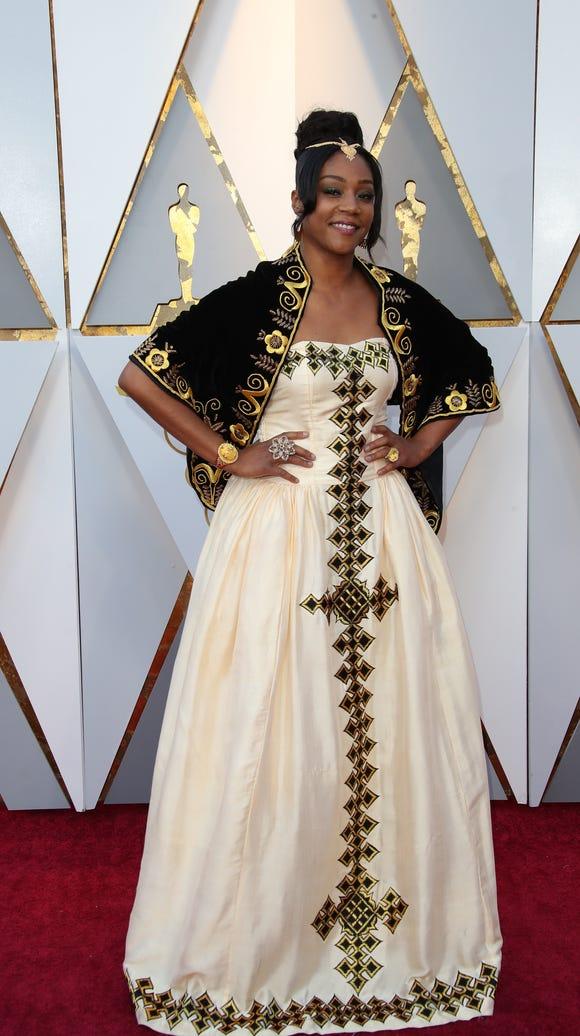 Tiffany Haddish serving LOOKS at the 2018 Oscars.