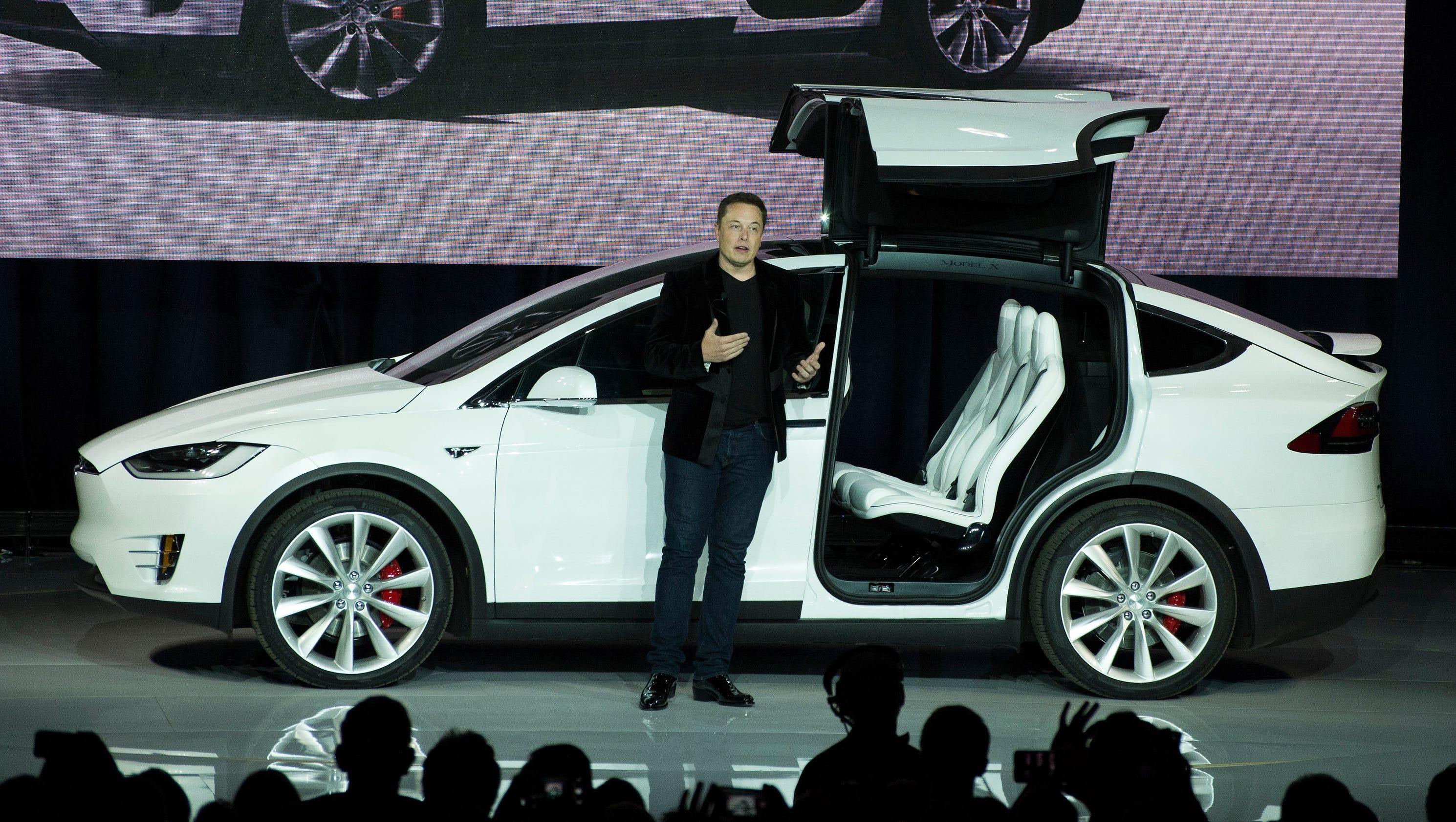 Tesla prices novel Model X SUV at $80,000