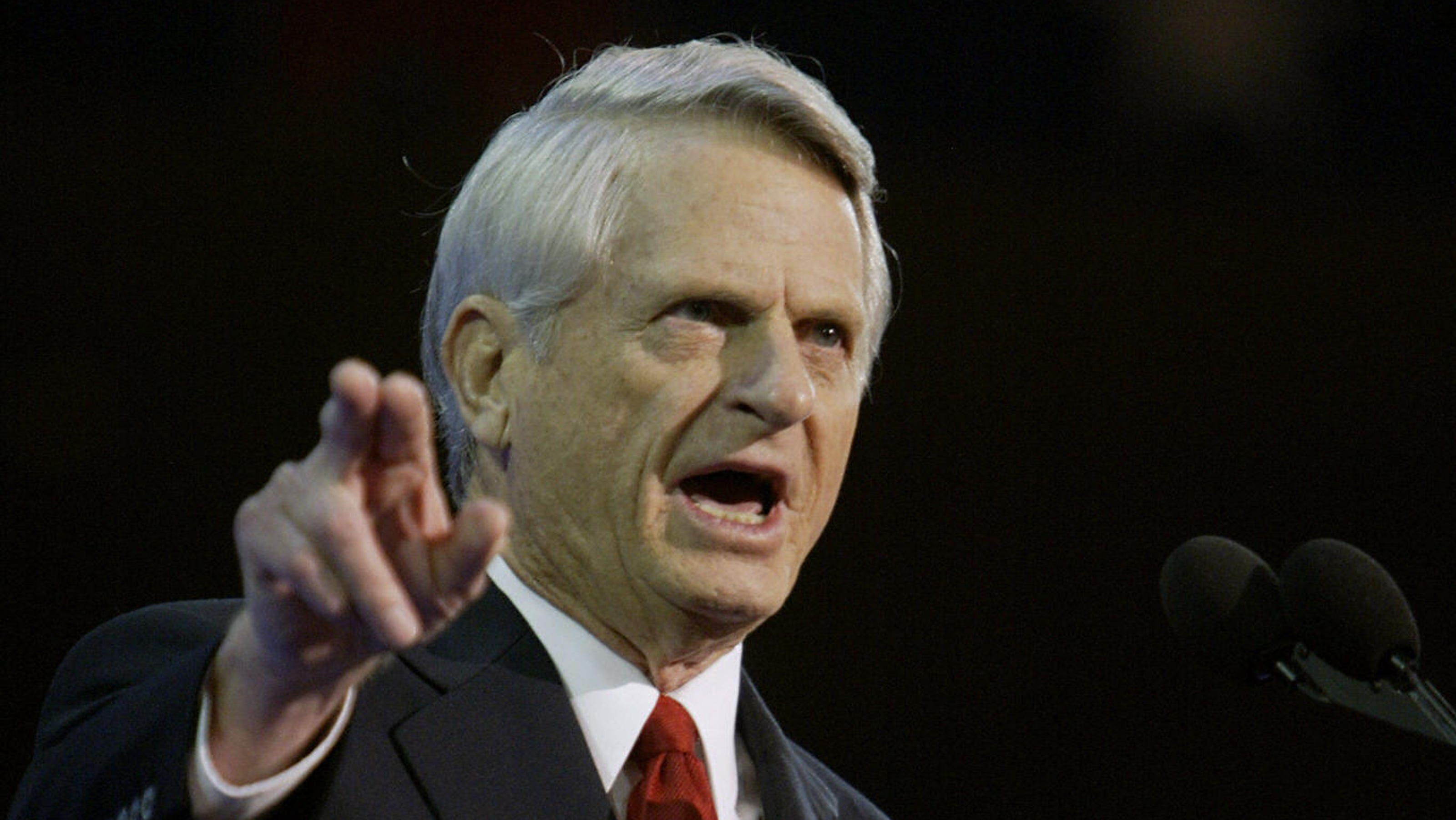 zell miller Zell miller proved himself a stubbornly independent southern democrat during a political career that spanned four decades miller died friday at age 86.