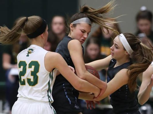 636538131996013572-03-020918-PREBLE-V-BPHS-GIRLS-BB-11045.jpg