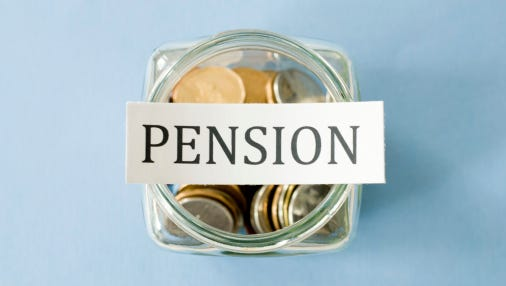 New Jersey taxpayers could have to put an extra $1 billion a year into public pension systems if new workers are switched to a 401(k)-style plan, opponents of such a change warn in a new report.