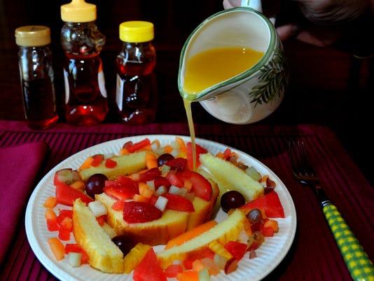 -Lou Gerber's Sunday dinner 2.JPG_20140812.jpg
