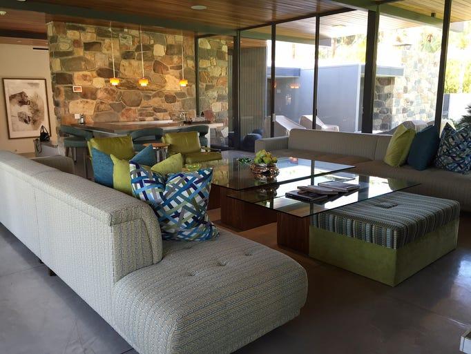Inside leonardo dicaprio 39 s palm springs home for Living room channel 9