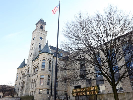 Courthouse apartment project moves forward