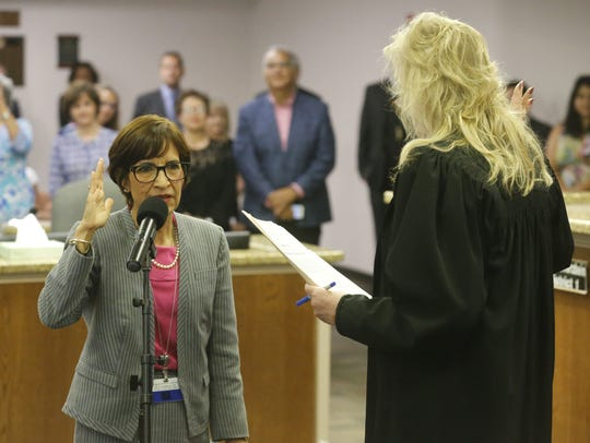 Cissy Lizarraga is sworn in as District 8 city representative