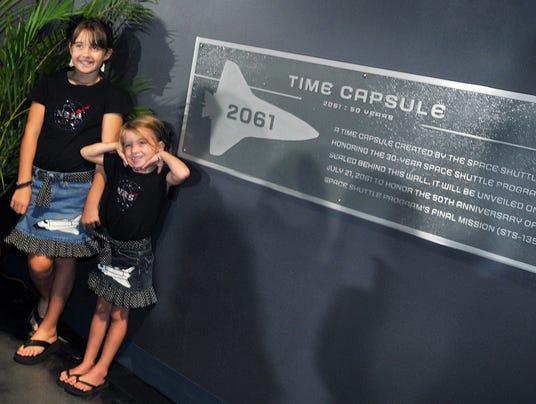 GAN NASA TIME CAPSULE 091013