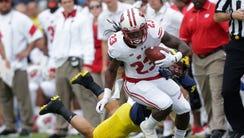 Wisconsin Badgers running back Dare Ogunbowale (23)
