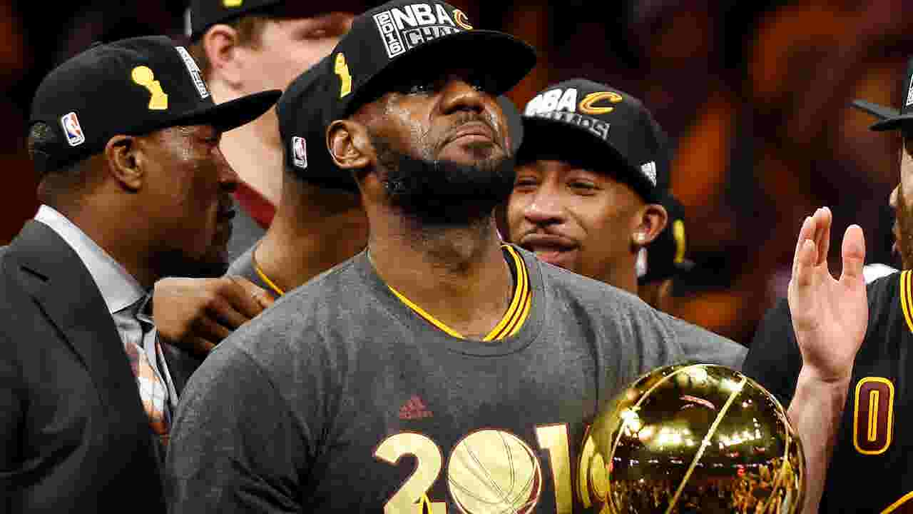 LeBron James Cavaliers Get Championship Rings In Emotional Ceremony