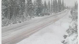 Santiam Pass is expected to see around 20 to 25 inches of snow during the upcoming few days.