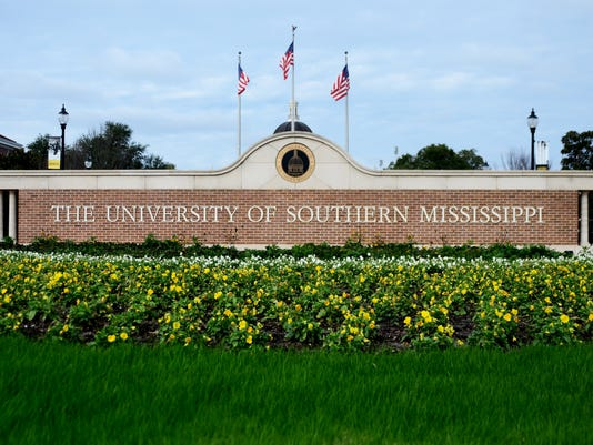 636191423186544963-Southern-Miss-Sign.jpg