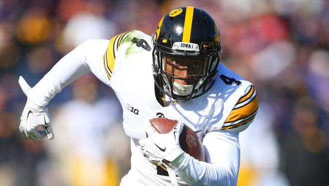 Tevaun Smith, Iowa's No. 1 receiver, returns to starting lineup vs. Maryland.