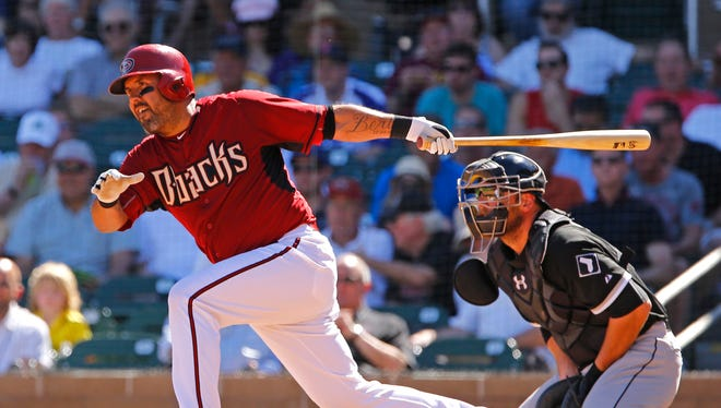 Arizona Diamondbacks catcher Gerald Laird (18) grounds out in the 4th inning against the Chicago White Sox on March 16, 2015, at Salt River Fields at Talking Stick.