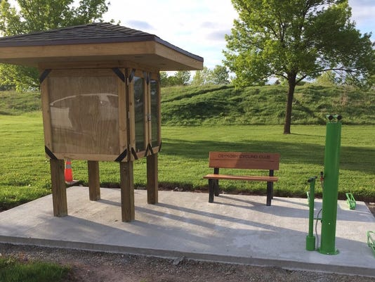 Oshkosh Cycling Club dedicates new bike repair station to Winnebago