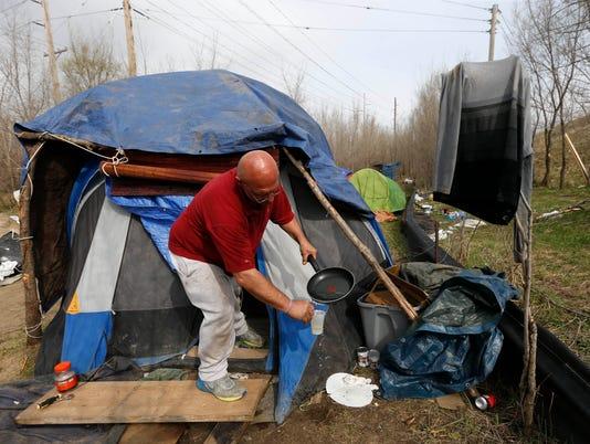 635951313636475440-0401-Homeless-Camp-05.JPG
