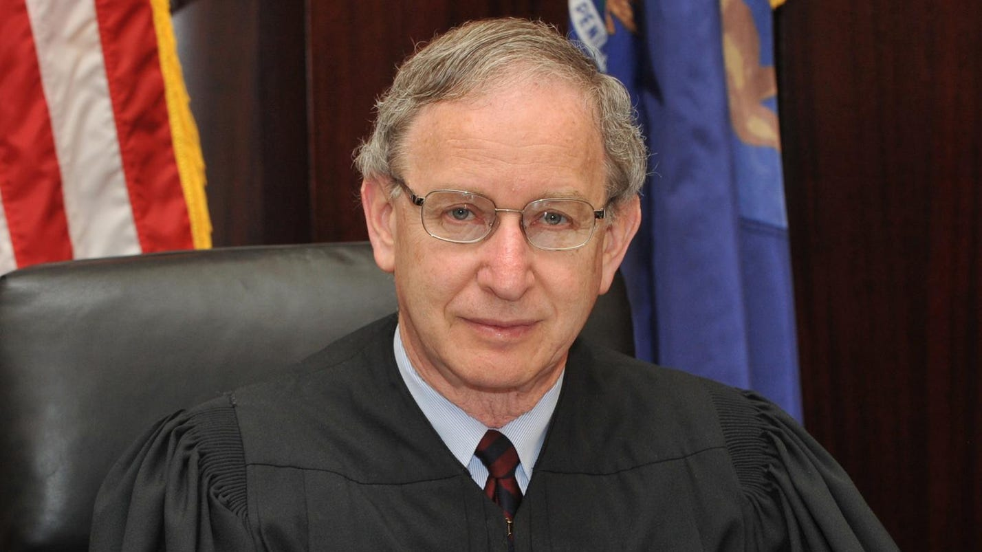 Mich. Supreme Court chief justice suffers heart trouble