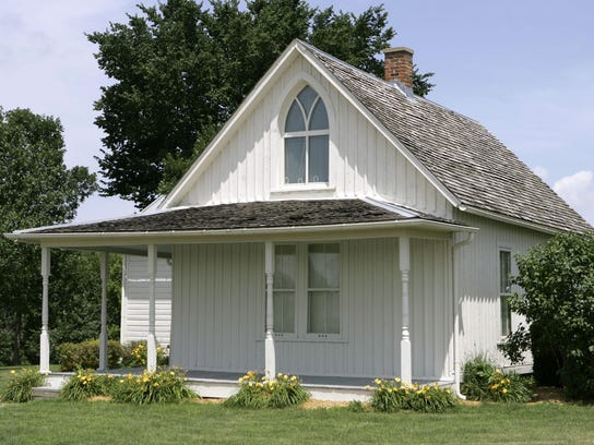 American Gothic House (2).jpg