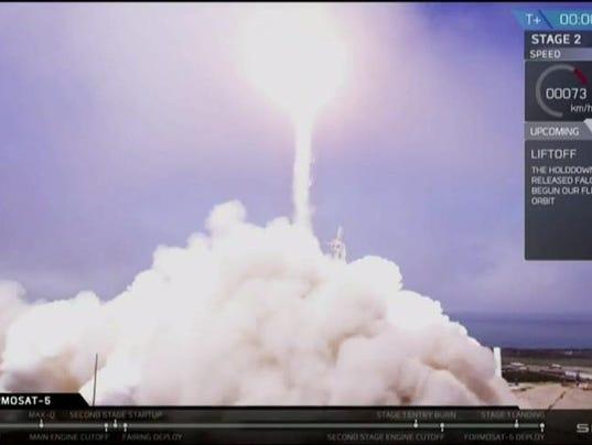 636392099783456768-rocket.jpg