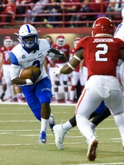 Indiana State running back Jaquan Keys (3) runs the ball during the first half of their NCAA football game on Saturday, Oct. 14, 2017 at the DakotaDome in Vermillion, S.D.