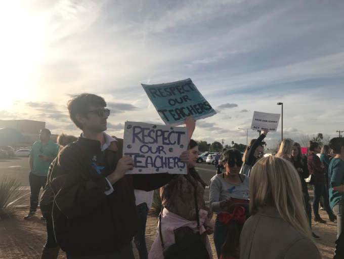 Hundreds of Scottsdale residents, parents and teachers