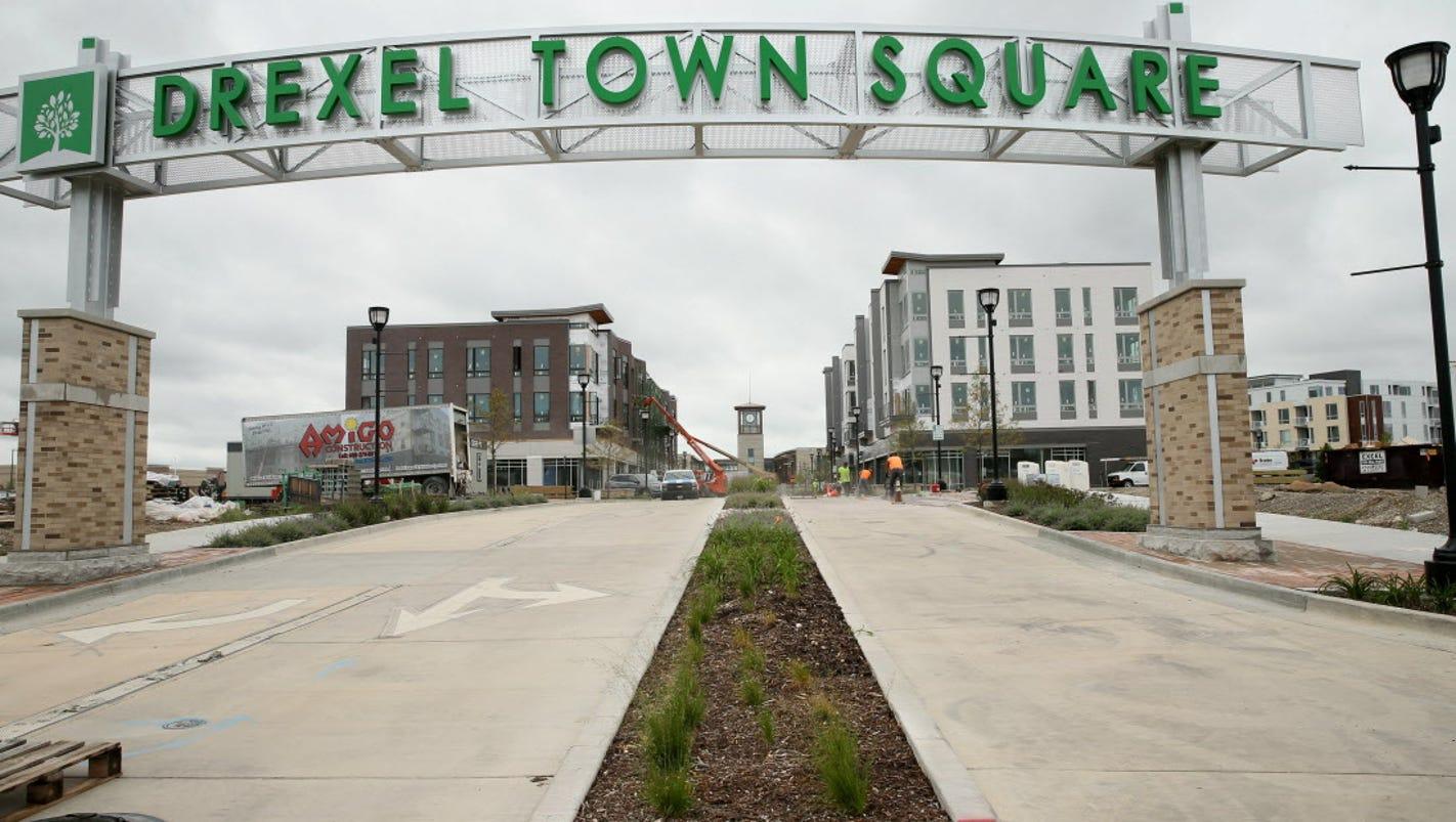 drexel town square continues oak creek growth. Black Bedroom Furniture Sets. Home Design Ideas