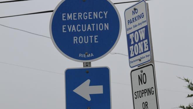 WARWICK, CHARLESTOWN, RI -- 08/27/11 --  Evacuations in Charlestown along the shoreline. The Providence Journal/Sandor Bodo