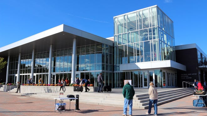 The $16.8-million Holland Civic Center Place renovation, completed in 2018, has earned GMB Architects an award from the American Institute of Architects' Michigan chapter.