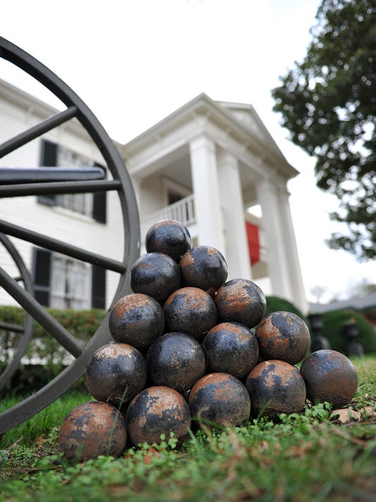 636264783162204992-Exterior---cannon-balls-with-house.jpg