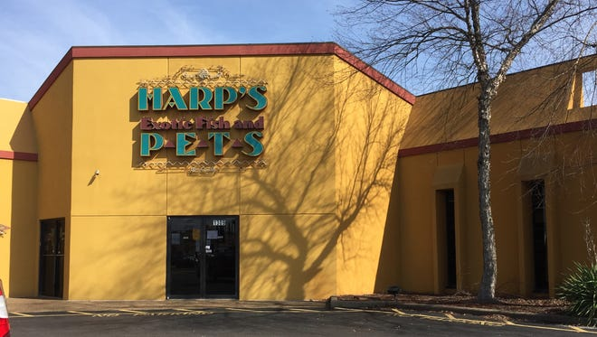 Harp's Exotic Fish and Pets is closing March 5.