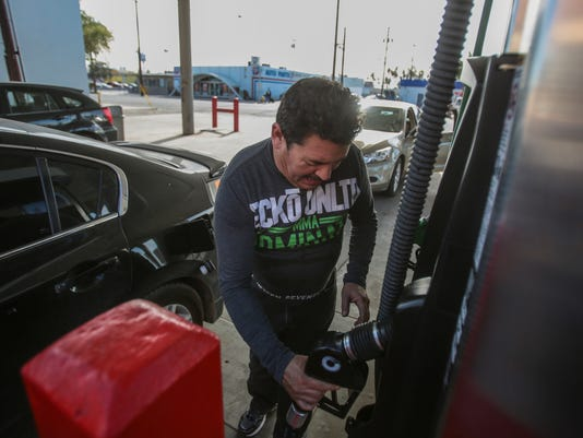 636198403872787935-Mexicali-gas-shortage006.JPG
