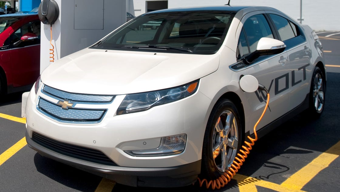 General motors to offer alternative battery uses for General motors new cars