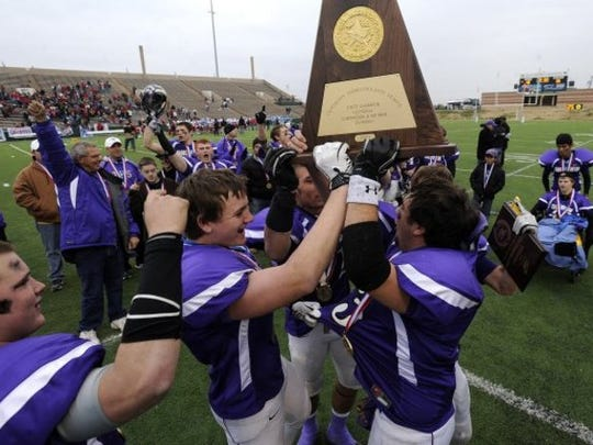 Throckmorton celebrates it's 2011 state championship.