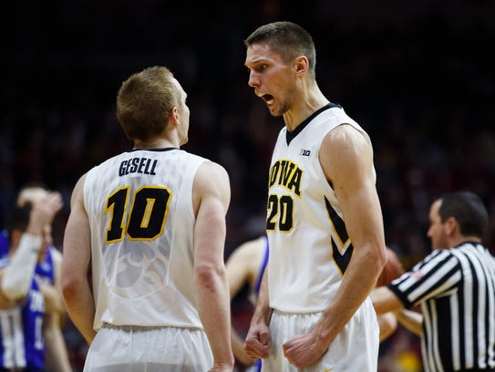 Iowa teammates Jarrod Uthoff and Mike Gesell Were being
