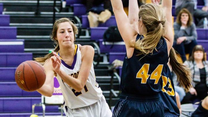 Kettle Moraine girls basketball outlasts Oconomowoc