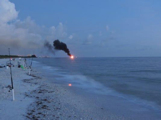 boat+on+fire+Wiggins+Pass+849.JPG