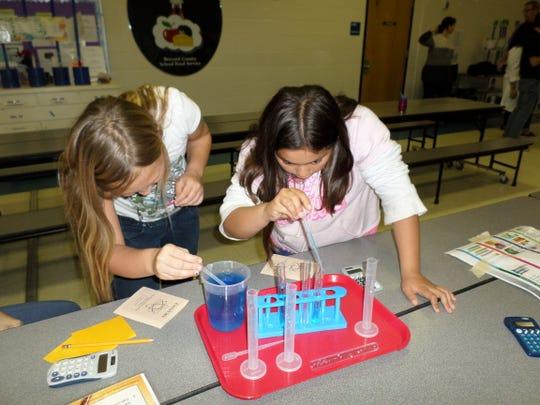 The Orlando Science Center hosted a family science night at Andersen Elementary. Students Breaunnah Lorenz and Gabriella Nocelotl participated.