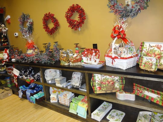 DeRomo's Gift Basket & Catering has opened at The Promenade in Bonita Springs.