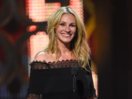 Julia Roberts accepts the woman of the decade award  June 4 at the Guys Choice Awards in Culver City, Calif.